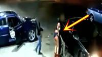 深夜酒吧门口女孩受到男子挑衅,她随后的反应厉害了!