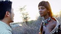 雷探长邂逅哈莫尔族美女,夕阳下牵手散步