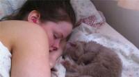 现实版睡美人!外国妹纸一天睡22个小时,越睡越觉得困!