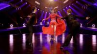 新舞林大会:秦岚身穿红色长裙,舞台展现舞蹈美丽