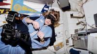 在失重的太空中,宇航员都是怎么睡觉的?看完颠覆大众的认知