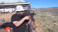 没有枪管的AR15突击步枪,射击后坐力大、声音更大