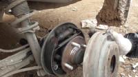 看汽车鼓刹是怎么调节刹车片?