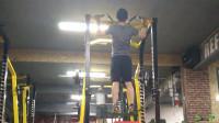 引体向上训练有困难?试试这个方法应该会很有效