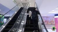 越南妹子陪我,逛当地最高档的商场,看电影简直是白菜价