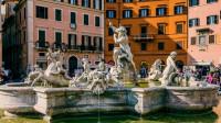 纳沃纳广场 以三个喷泉著称于世 号称是意大利罗马最美丽的广场