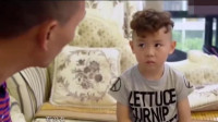 惩罚孩子方式有很多,育儿师:爸爸这种做法过分而无效!
