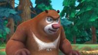 熊出没:光头强砍树就砍倒了松鼠的家,松鼠摔伤了
