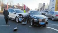 2019年长春劳斯莱斯第一撞 车损40万还全责