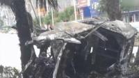 广西百色一小车撞隔离带后起火燃烧 5人死亡