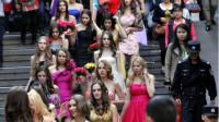 乌克兰美女组团来中国相亲,不要彩礼,只要满足她这个要求