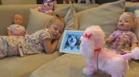 萌娃小可爱最喜欢狗狗了,小家伙就连做梦都想有一只属于自己的宠物狗狗!