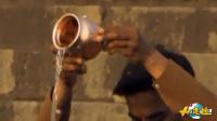 """印度超人气""""神圣""""矿泉水,看到水源此番景象,10元一瓶你敢喝吗?"""