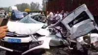 大巴司机错过高速出口,竟无视乘客顾忌倒车,最终酿下惨痛悲剧!