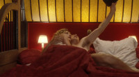 《床的另一边》七年之痒,为挽救爱情,夫妻二人互换角色体会对方的辛酸