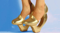 最有挑战难度的5双高跟鞋,走出马蹄声?你敢挑战第几双!