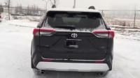最新款的丰田SUV到店,启动以后看内饰,打开后备箱后不再考虑奇骏?
