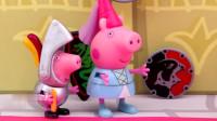 玩具故事猪爸爸与猪妈妈击剑PK猪爸爸把士兵都弄倒了
