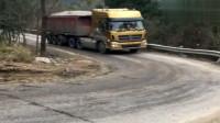 拉80吨拐弯冲坡,这轮胎估计是废了!