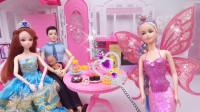芭比娃娃用魔法变出一桌子美食,报答善良的美人鱼女王
