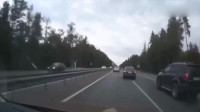 行车记录仪车祸画面——司机:我为何如此优秀?