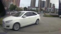 行车记录仪:堵车?不存在的,视频车才是真正的老司机