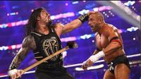 罗曼与HHH决战摔角狂热 又拿出了铁锤 美女斯蒂芬妮被误伤