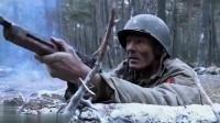 这才是残酷的战场,盟军和德军在林中激战,友军一个个的倒下