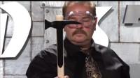 冷钢斧头测试,铁甲衣刀刀穿透,锋利无比