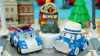 变形警车珀利新玩具 珀利的市政厅场景巡逻套装