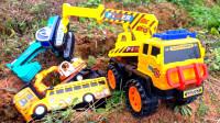 超帅的救援吊车,帮助挖掘机校车挖土车吉普车等,从恐龙的脚步坑里面出来