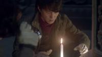 精绝古城:人点烛,鬼吹灯,靳东第一次盗墓就遇到了大粽子