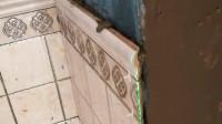 异形瓷砖腰线切割阳角是挺麻烦,切口的曲线很难对齐!