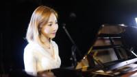 美女弹唱陈小春粤语《相依为命》甜蜜情歌 百听不厌