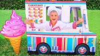 萌娃乐园:正太开着冰淇淋车,把冰淇淋卖给消防员和警察