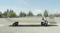 世界上最大的滑板,体积和公交车一样,可以容纳40人