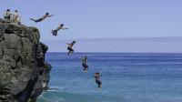 如果全人类集体跳海,能填满太平洋吗?看完感觉人太渺小了!