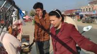 今天家里扒房子,吃饭的人多,农村媳妇买30块钱的肉,15块钱馒头