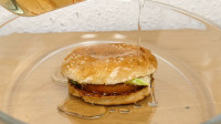 浓硫酸有多可怕?用汉堡试试就知道了,看完感觉不会再爱汉堡!
