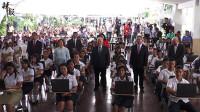 中国向萨尔瓦多学生捐赠1.5万台电脑