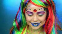 国外母女美妆秀:妈妈帮女儿化妆打扮成了美人鱼
