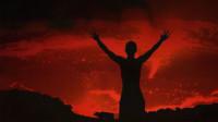 """凶险万分的火山口,被大风浓烟包围的""""鬼门关""""。"""