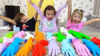 太惊喜了!这些手套都藏着什么?为何小萝莉都惊呆了!
