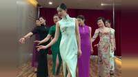 礼仪老师穿上旗袍,东方女人优雅尽显,简直是女人的楷模!