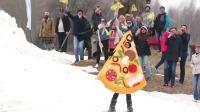 白俄罗斯:奇装异服跳冰水,不愧为战斗民族!