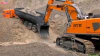 大型挖掘机模型世界 RC大卡车卡在路上挖掘机救援工作