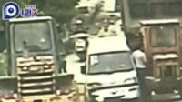 热心村民救车反被撞 车主竟然是偷狗贼!