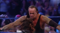 """WWE最让人讨厌的女人,薇琪被送葬者""""墓碑钉头""""不省人事!"""