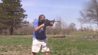 AR15自动步枪+超大容量弹鼓,枪管被打到冒烟,全程高能