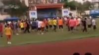 海南高中联赛发生球员冲突 观众冲进场内 一人受轻伤